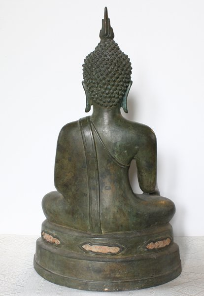 Antique Thai Buddha statue ABA66M4