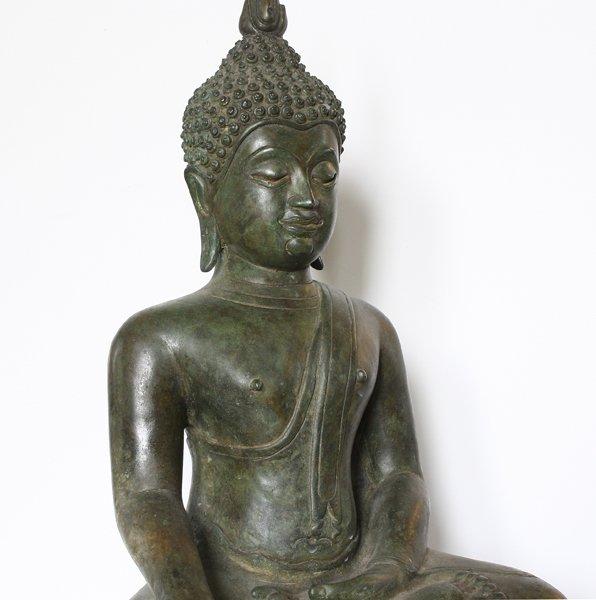 Antique Thai Buddha statue ABA66M5