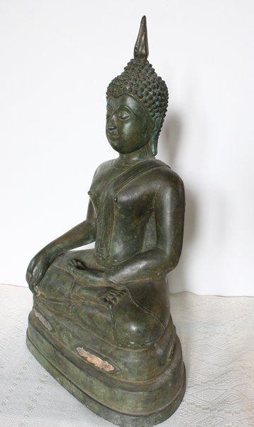 Antique Thai Buddha statue 5