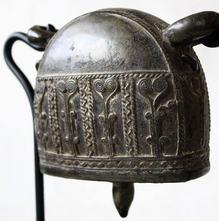 Antique bronze Burmese buffalo bell EBB42M8