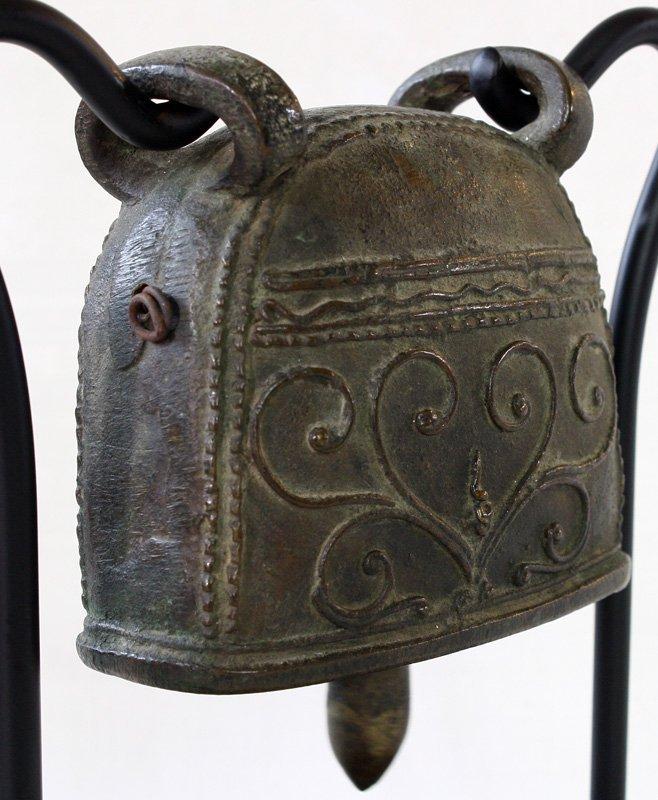 Antique bronze buffalo bell Burma EBB64M3