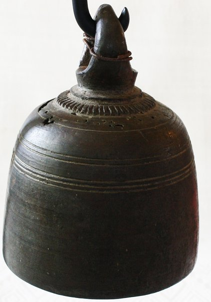 Antique bronze temple bell EBB71M4
