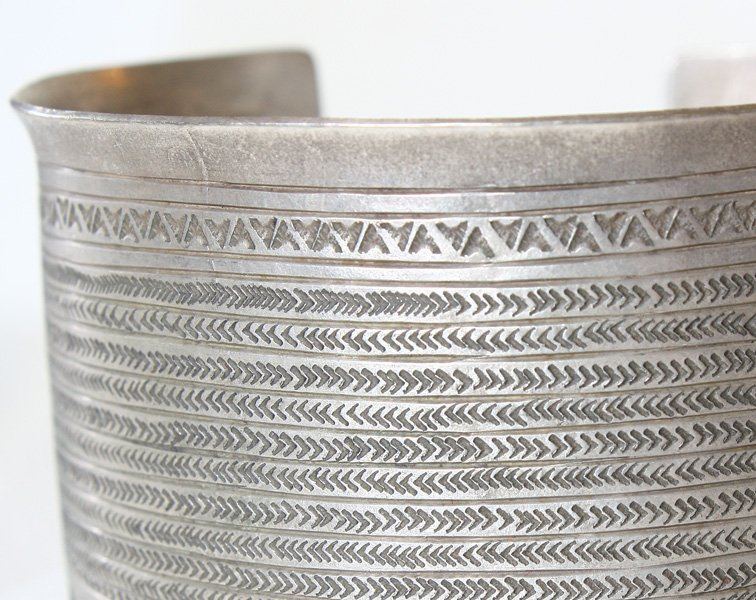 Antique Hmong silver bracelet from Luang Prabang, Laos ETJ154M4