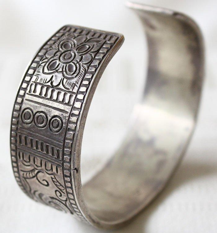 Antique Shan silver bracelet from Laos ETJ42M