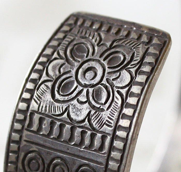 Antique Shan silver bracelet from Laos ETJ42M4