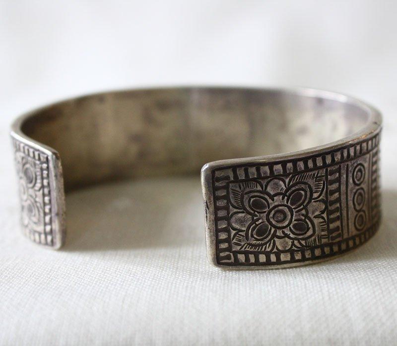 Antique Shan silver bracelet from Laos ETJ42M65