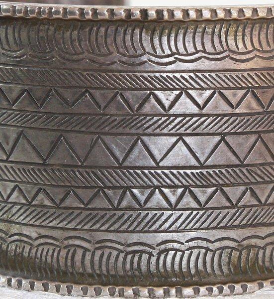 Antique Hmong hill tribe silver bracelet ETJ116M3
