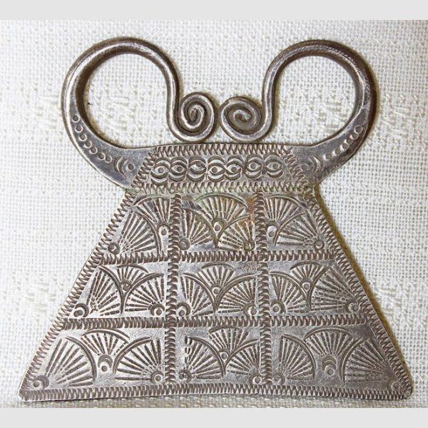 antique_hmong_silver_pendant_ETJ160