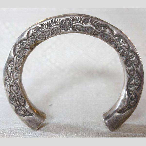 Antique Hmong silver bracelet from Laos ETJ115