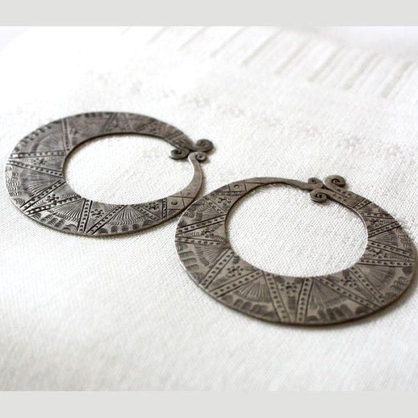 antique_tribal_silver_earrings