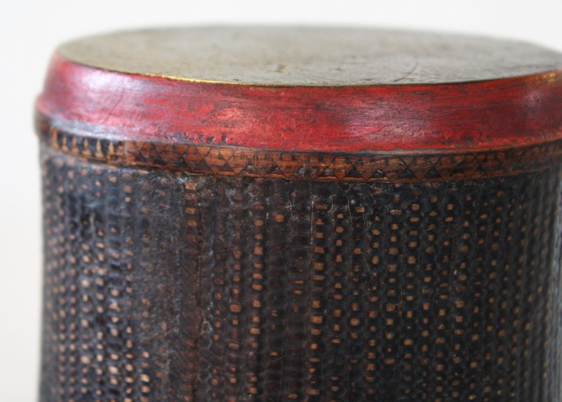 Antique Khmer lacquer scroll container EUO94M5
