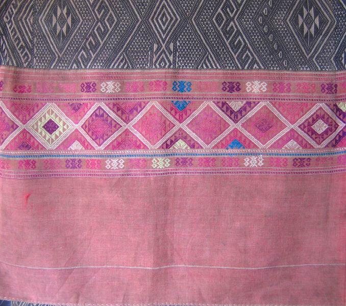 Antique tribal textile TTTA04m6