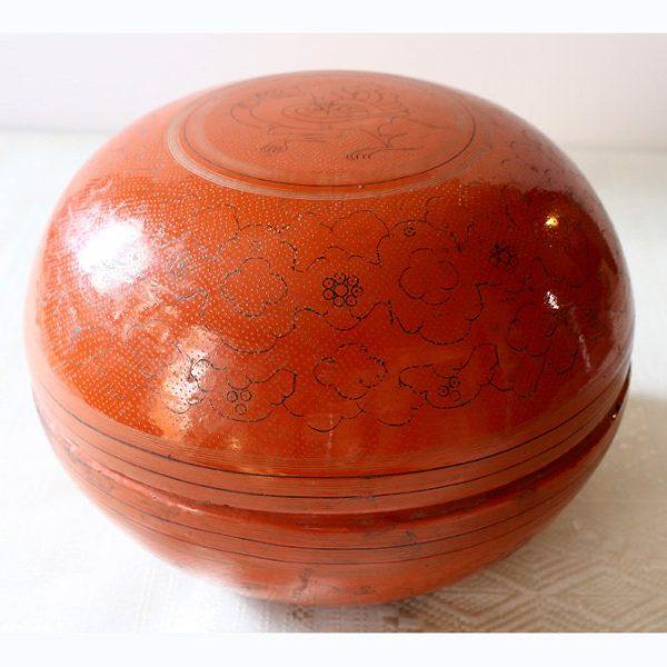 Antique lacquerware container