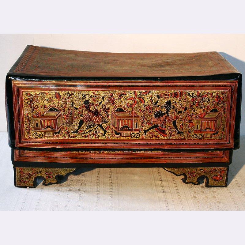 antique lacquerware gilded box