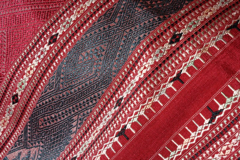 traditional hand woven silk textile SNL16M10