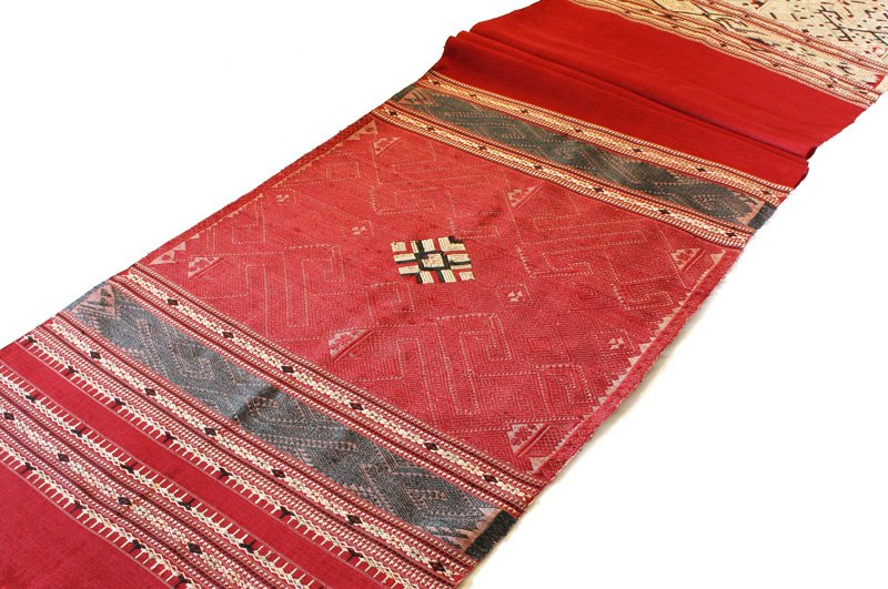 traditional hand woven silk textile SNL16M2
