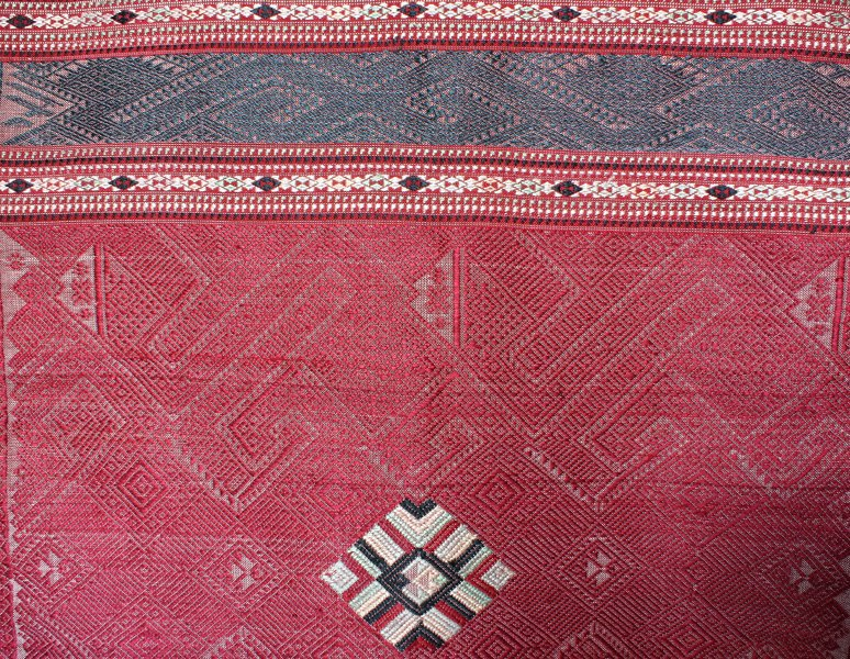 traditional hand woven silk textile SNL16M4
