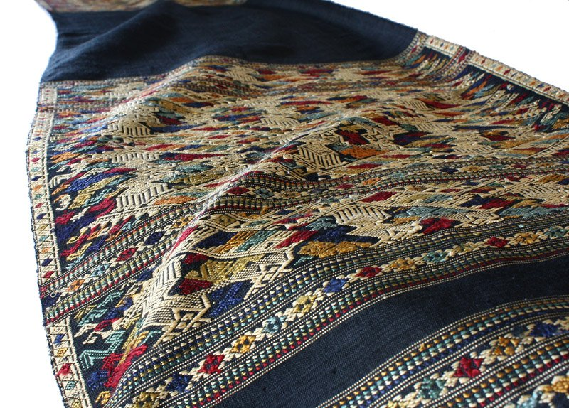 traditional hand woven silk textile SNL17M6