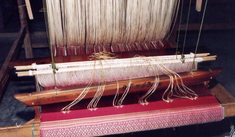 Silk_Weaving_Laos