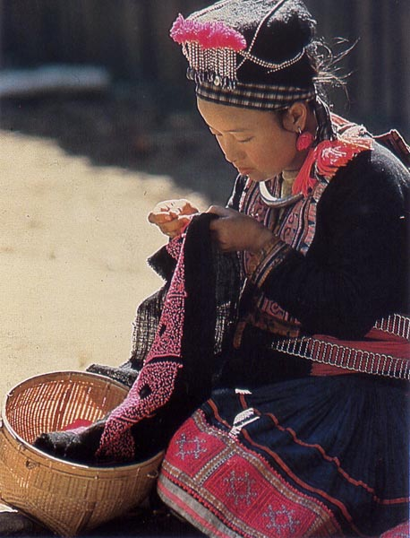 Hmong_Embroidery