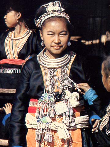 Hmong_Girl_Silver_jewelry