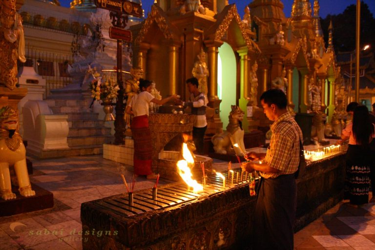 Shwedagon night