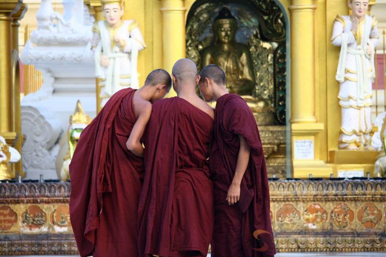 Monks Shwedagon