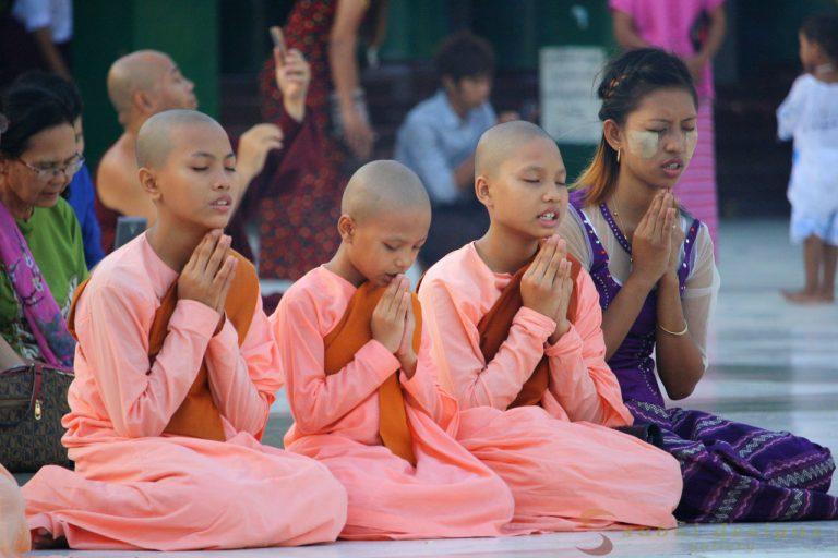 Praying Shwedagon Paya