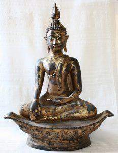 ANTIQUE GILDED THAI BUDDHA STATUE